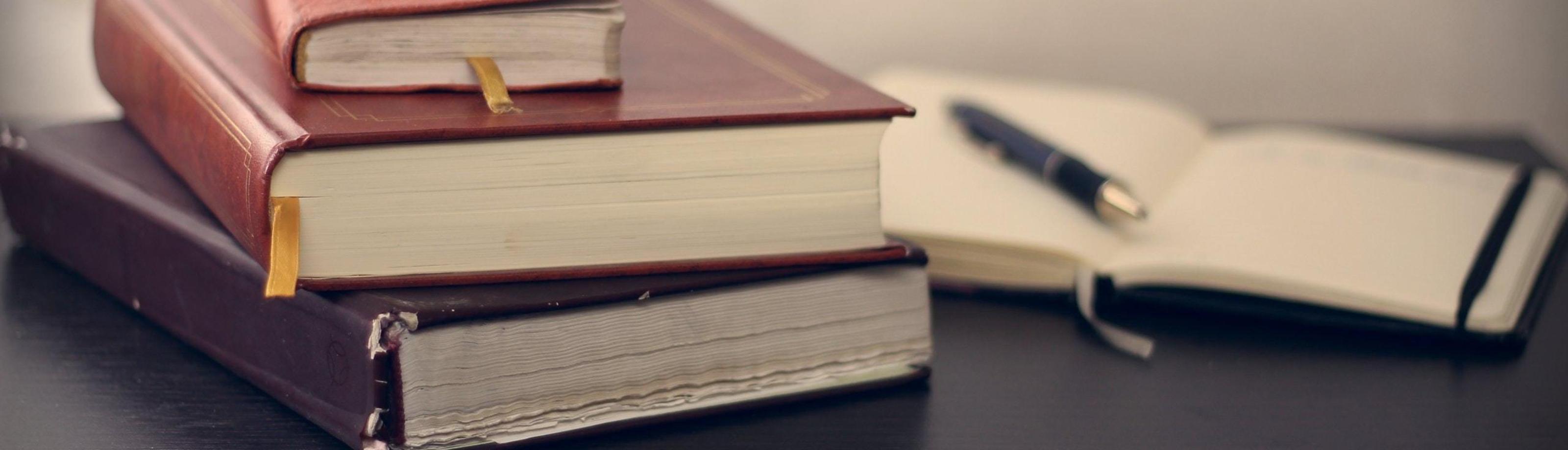Boeken gestapeld